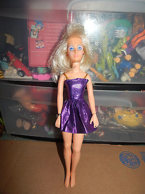 Vintage 1980s Jem and the Holograms Jerrica Doll w/Clothes  RARE