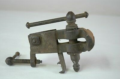 Antique early Hand Forged Small Metal Bench Vise  Blacksmith Made
