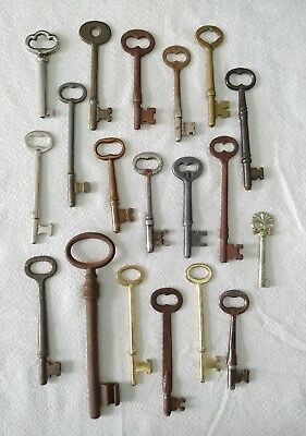 19 Genuine True Real Vtg Antique Old Skeleton KEYS Barrel Brass Ornate Flat Key