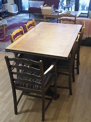 Edwardian Oak extending dining table and 6 chairs