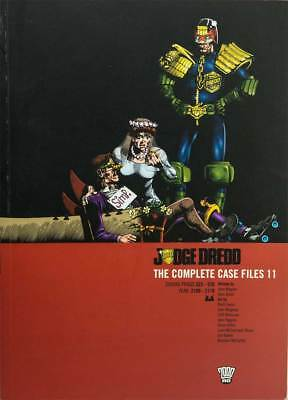 Judge Dredd: The Complete Case Files Vol. 11. John Wagner 2000AD progs 523 - 570