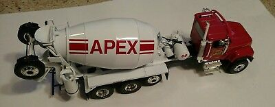 1st  APEX  INTERNATIONAL PAYSTAR MIXER FIRST GEAR CONCRETE 1/34 SCALE
