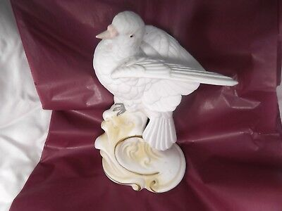 Vintage Lefton White Dove Figurine Collectible statue Porcelain Bird, Beautiful!