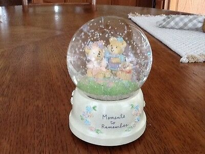 """Musical Snow Globe, Stitches 'N' Things and Heartfelt Things, """"Memories"""", Mint"""