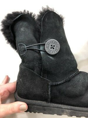 17bcef4480d UGG AUSTRALIA 5803 Bailey Button Black Sheepskin Boots Women's Size 9 40