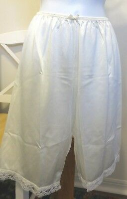 """vtg VASSARETTE with 10"""" INSEAM LACE IVORY bloomers pettipants   size S"""