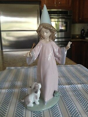 Lladro 6170 Under My Spell - mint condition. Premiere Issue with Original Box