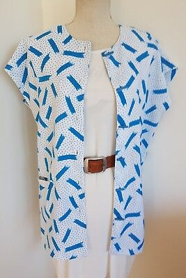 Womens 1980s Vintage Button Up T Shirt~ Abstract Print~Blue & White~ Buttons