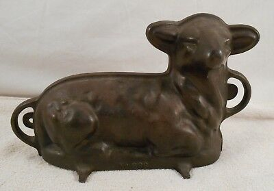 VINTAGE CAST IRON GRISWOLD LAMB CAKE MOLD NO 866 ( Very Good )