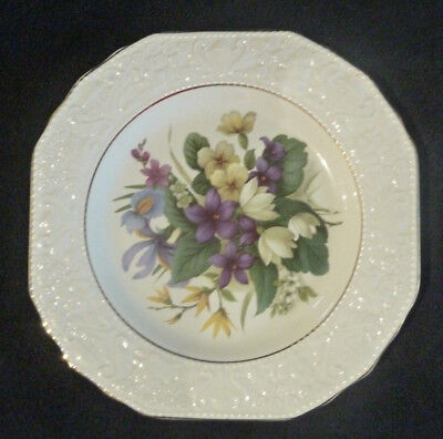 Prinknash Pottery 23.5 cm Decorative / Cabinet  Plate Spring Flowers / Cream