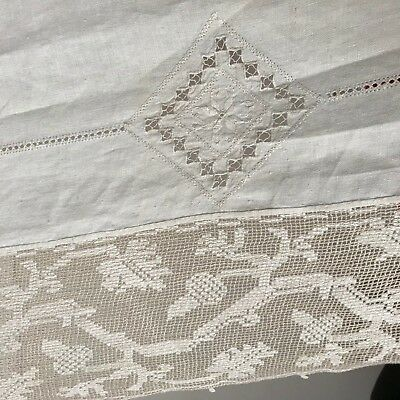 EXCEPTIONAL ANTIQUE LACE branched leaves acorns LINEN Banquet Tablecloth 118x54
