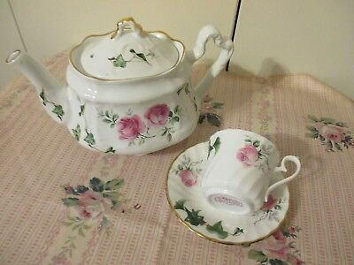 Lovely Vintage Unused Arthur Wood White With Pink Roses 3-Cup Teapot England