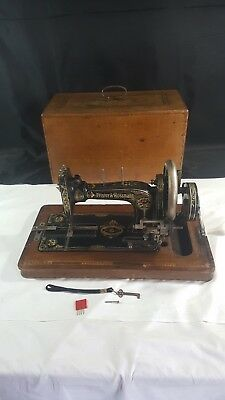 Vintage Hand Crank Manual FRISTER & ROSSMANN No 15 Sewing Machine With Hard Case