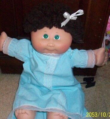 Nice Vintage 25th Anniversary Girl Cabbage Patch Doll  1978  2008 OAA