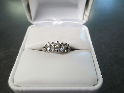 14 Kt White Gold 1/2 Carat Tdw Diamond Ring W/box Beautiful Color & Clarity!