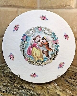 Royal Doulton 1979 VALENTINES DAY PLATE with BOX and CERTIFICATE - free ship