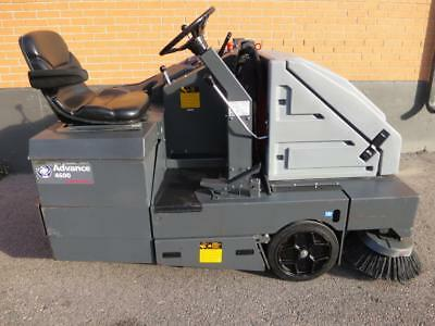 "NILFISK ADVANCE RETRIEVER 4600 RIDE-ON LOT 46"" BATTERY ELECTRIC SWEEPER tennant"