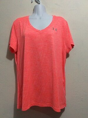 Under Armour Womens V Neck Loose Fitting Heat Gear T-Shirt. Size XL