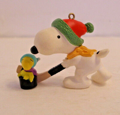 Peanuts Miniature Christmas Ornament Snoopy Hockey Player