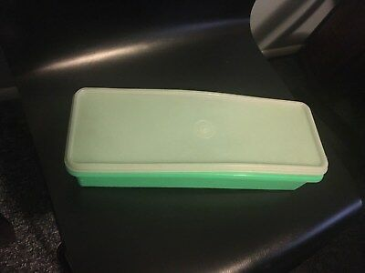 Vintage TUPPERWARE Jadite Green Celery Keeper 892-10 with Lid