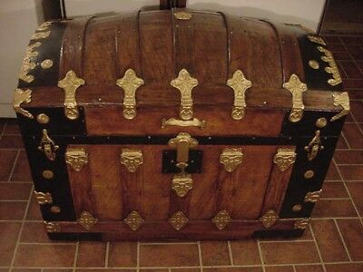Ladycomet Refinished Beautiful Dome Top Steamer Trunk Antique Chest w/Key & Tray