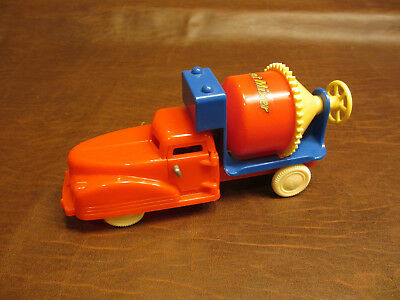 VINTAGE ANTIQUE 50s RENWAL TOYS HARD PLASTIC CEMENT MIXER TRUCK CONSTRUCTION TOY