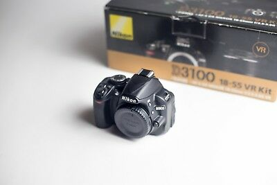 Nikon D D3100 14.2MP, Great Camera, Functions Perfectly