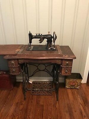 Antique Sewing Machine Black/Gold Ornate Wooden Cabinet