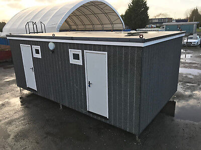 23ft x 13ft - 2 to 8 Man Sleeper Unit | 2 x Bed Rooms | 4 x Toilets, Showers