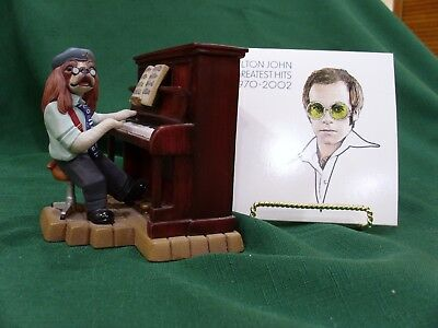 Robert Harrop – Doggie People Chas Cavalier Dp 144 Aka Sir Elton John Piano Man