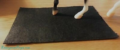 LSQ 1/9 Scale Breyer Model Horse Stall Mats (2). Performance Prop
