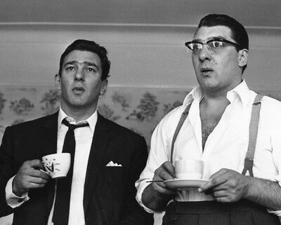 The Krays UNSIGNED photograph - L1386 - Ronnie and Reggie