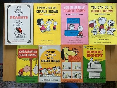 8 CHARLES SCHULZ PEANUTS PB BOOKS (4 1st editions. 1960s, nice condition)