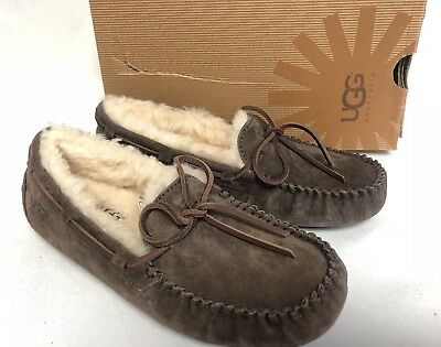 d034b212001 UGG AUSTRALIA DAKOTA Espresso Brown SHEEPSKIN MOCCASIN SLIPPERS 5612  Women's sz