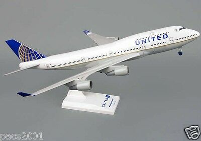 Skymarks Model United Airlines Boeing 747-400 1/200 Scale Plane w/ Stand & Gears