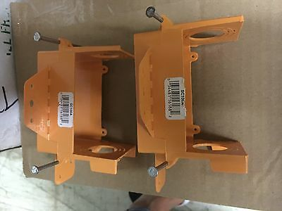 Set of 4 Carlon low voltage bracket 1 gang orange