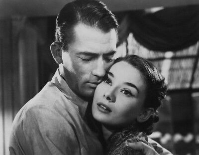 Roman Holiday UNSIGNED photograph - L1738 - Audrey Hepburn and Gregory Peck