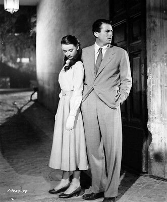 Roman Holiday UNSIGNED photograph - L1776 - Audrey Hepburn and Gregory Peck