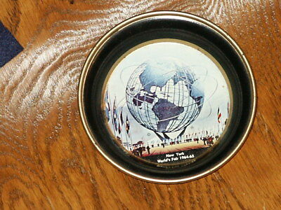 1964-1965 NEW YORK WORLD'S FAIR UNISPHERE -- SMALL Tip TRAY VINTAGE