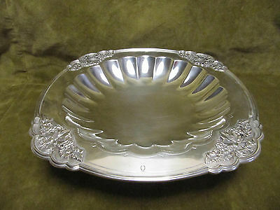 "Mappin & Webb sterling silver centerpiece footed bowl 751gr ""bunch of grapes"""