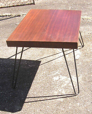 MID CENTURY MODERN COFFEE END TABLE MAHOGANY WOOD TOP METAL HAIRPIN LEGS 21x25