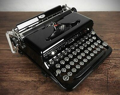 1930s ROYAL MODEL O STANDARD PORTABLE TYPEWRITER, REFURBISHED, IMPECCABLE, LOOK