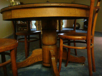 Antique Pestle Oak Dinning Room Table & Leaf, + 4 Wooden Ice Cream Parlor Chairs