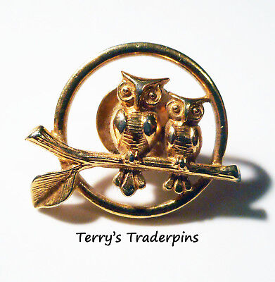 Vintage AVON Pin Goldtone 2 Owls On Branch In Front of Moon
