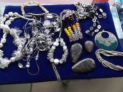 Fantastic lot of costume jewellery great value FEB20