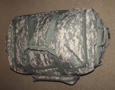 Large Size Genuine United States Army Deployment Holdall / Grip Bag