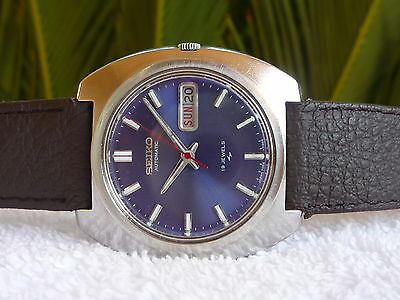 VINTAGE SEIKO AUTOMATIC Blue double date 19 Jewels Steel Fully Serviced watch