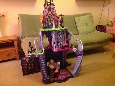 Monster High Freaky Fusion Catacombs Castle Playset Kids Toys Doll House