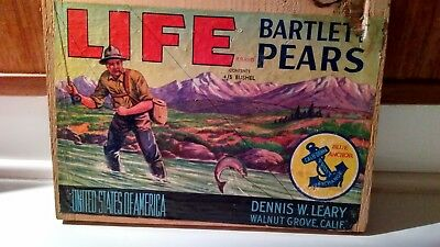 Wooden fruit box end. Life brand Bartlet Pears