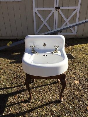 VINTAGE ANTIQUE STANDARD WORKS WHITE CAST IRON PORCELAIN BATHROOM SINK w/FAUCETS